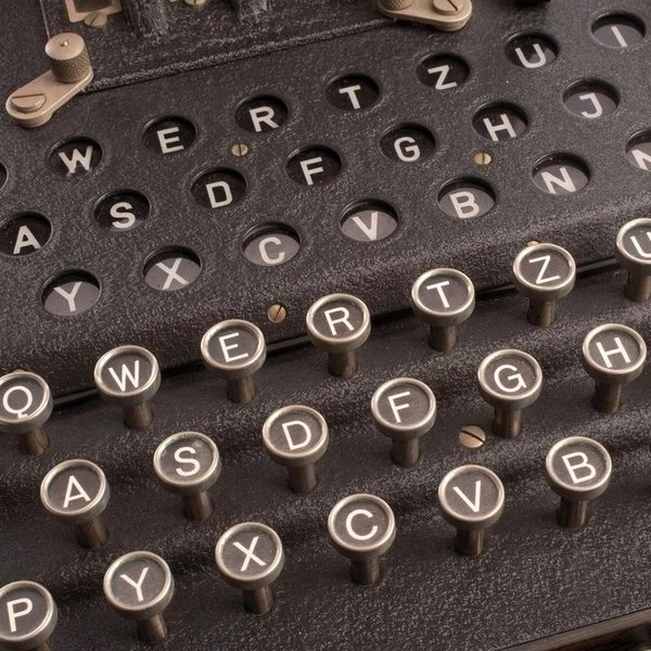 История, криптография, война, «Энигма» ушла с молотка за 45,000 евро