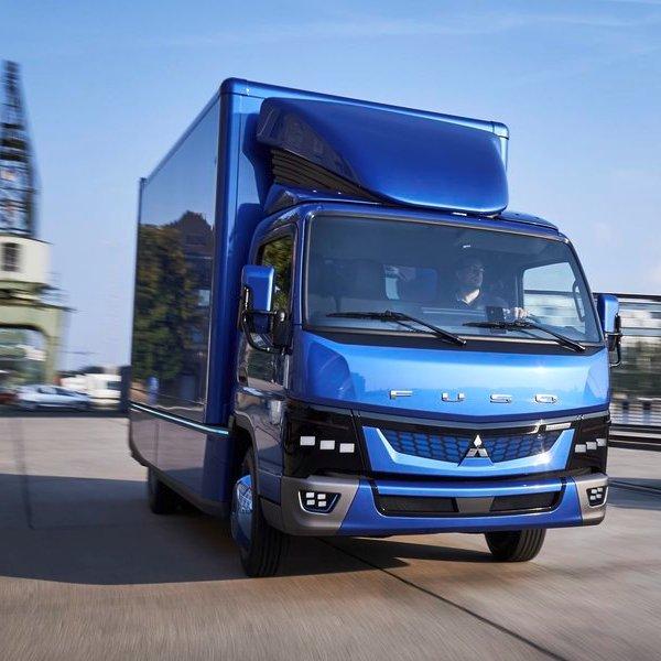 Mercedes, автомобиль, дизайн, Mitsubishi Fuso eCanter - первый полностью электрический грузовик в Европе